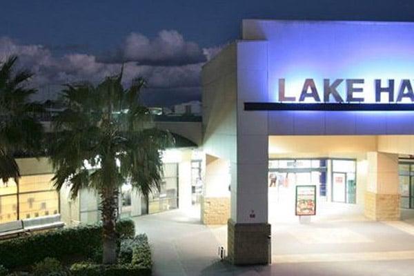 Lake Haven Shopping Centre